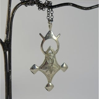Four Directions Antiqued White Brass Tuareg Cross Pendant Necklace (Indonesia)