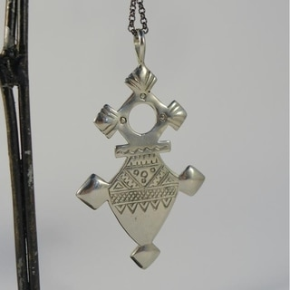 Amazigh Antiqued White Brass Tuareg Cross Pendant Necklace (Indonesia)