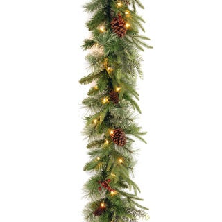 """9' x 10"""" """"Feel-Real"""" Colonial Garland with  50 Clear Lights"""