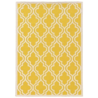 Linon Silhouette Lattice Print Yellow/ White Area Rug (5' x 7')