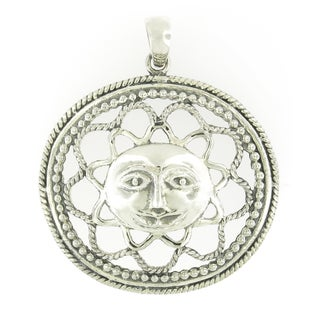 Handmade Sterling Silver Open Work Sun with Rope Frame Pendant (Thailand)