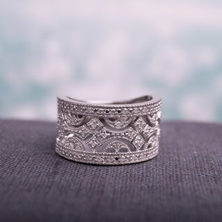 Miadora Sterling Silver 1/4ct TDW Vintage Diamond Ring
