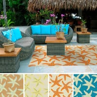 Hand-Hooked Mia Starfish Indoor/ Outdoor Area Rug - 8' x 10'