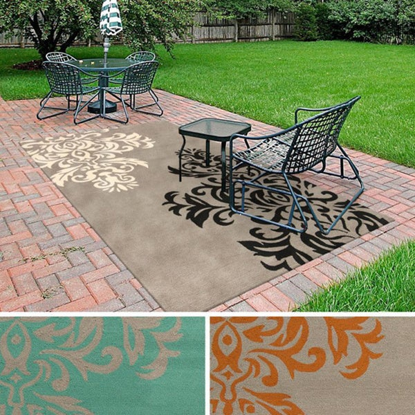 Hand-Hooked Adrianne Floral Indoor/ Outdoor Area Rug