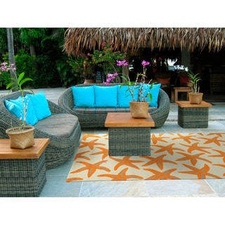 Hand-Hooked Mia Starfish Indoor/ Outdoor Area Rug (9' x 12')
