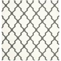 Safavieh Hand-woven Reversible Dhurries Ivory/ Charcoal Wool Rug - 6' Square