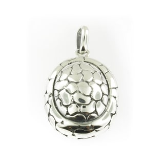 Handmade Sterling Silver Oval Cobbled Pattern Pendant (Thailand)