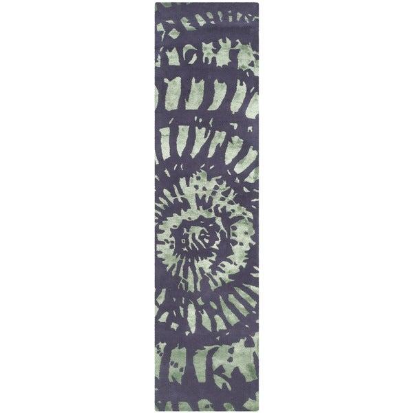 Safavieh Handmade Capri Modern Abstract Lavender/ Sage Wool Runner Rug (2' 3 x 9') - 2' 3 x 9'