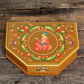 Handcrafted Manufactured Wood 'Royal Love' Decorative Box (India)