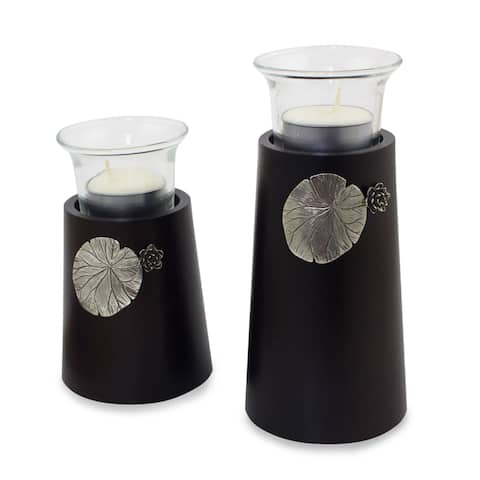 Handmade Set of 2 Rain Tree Wood Pewter 'Lotus Light' Candleholders (Thailand)