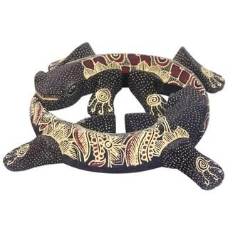 Pule Wood 'Gecko Moon of Renewal' Batik Wall Adornment (Indonesia)