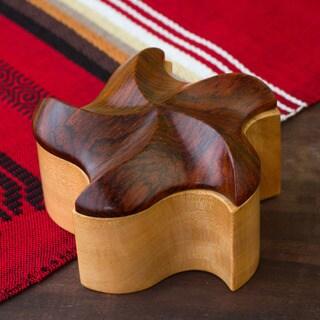 Handcrafted Mahogany 'Starfish Dreams' Decorative Box (Guatemala)