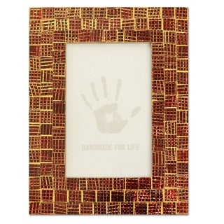 Handmade Glass Mosaic 'Golden Wine' Photo Frame (4x6) (India)