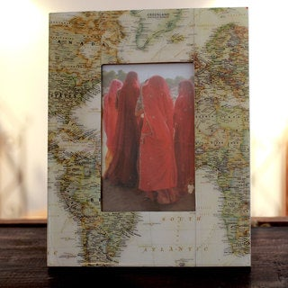 Handcrafted Decoupage 'Globetrotter' Photo Frame (4x6) (India)