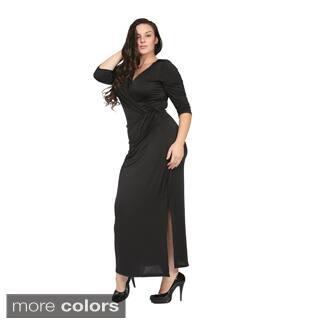 24/7 Comfort Apparel Women's Plus Size Long V-neck Wrap Dress|https://ak1.ostkcdn.com/images/products/9464349/P16647524.jpg?impolicy=medium
