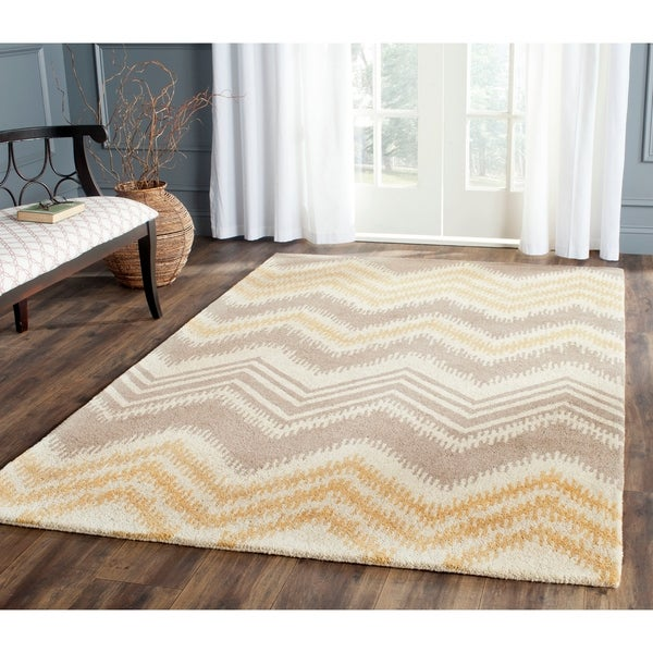 Safavieh Hand-Tufted Capri Grey/ Gold Wool Rug - 8' x 10'