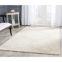 Safavieh Handmade Bella Beige/ White Wool Rug - 8' X 10'