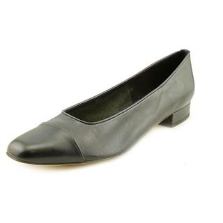 Vaneli Women's 'FC-313' Leather Dress Shoes (Size 7.5 )
