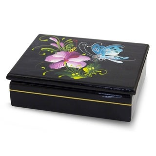 Handcrafted Lacquered Mango Wood 'Sweet Thai Blossom' Box (Thailand)