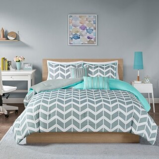 Intelligent Design Laila Grey and Teal Chevron 5-piece Comforter Set (Option: Queen)|https://ak1.ostkcdn.com/images/products/9481163/P16662807.jpg?_ostk_perf_=percv&impolicy=medium