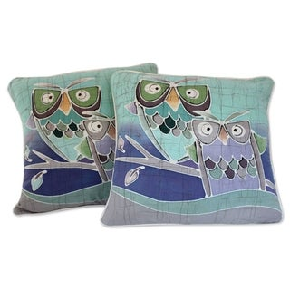Handmade Set of 2 Cotton 'Mischievous Owls' Batik Cushion Covers (Thailand)