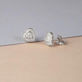 De Couer 10k Gold 1/20 ct TDW Diamond Cluster Heart Earrings