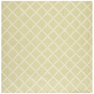 Safavieh Handmade Cambridge Light Green/ Ivory Wool Rug (8' Square)
