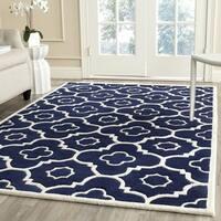 Safavieh Handmade Chatham Dark Blue/ Ivory Wool Rug - 7' Square