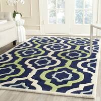 Safavieh Handmade Chatham Dark Blue/ Multi Wool Rug (7' Square)