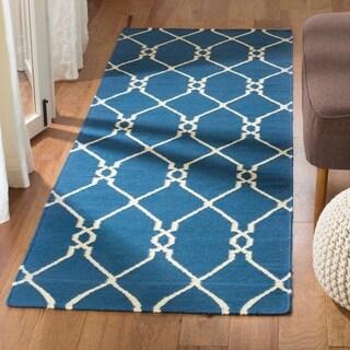 Safavieh Handmade Flatweave Dhurries Dark Blue Wool Rug (2'6 x 10')