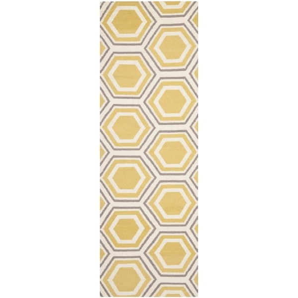 Safavieh Handmade Flatweave Dhurries Ivory/ Yellow Wool Rug - 2'6 x 10'
