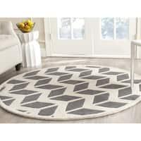 Safavieh Handmade Chatham Dark Grey/ Ivory Wool Rug - 7' Round