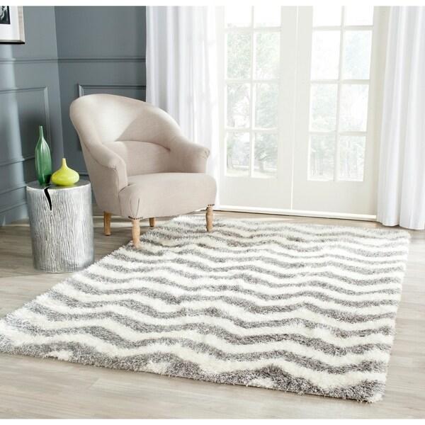 Safavieh Montreal Shag Ivory/ Grey Stripe Polyester Rug - 6'7 x 9'6