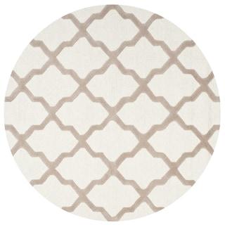 Safavieh Handmade Cambridge Ivory/ Beige Wool Rug (10' Round)