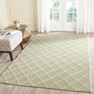 Safavieh Handmade Cambridge Light Green/ Ivory Wool Rug (5' x 8')