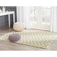 Safavieh Handmade Cambridge Ivory/ Light Green Wool Rug - 8' x 10'