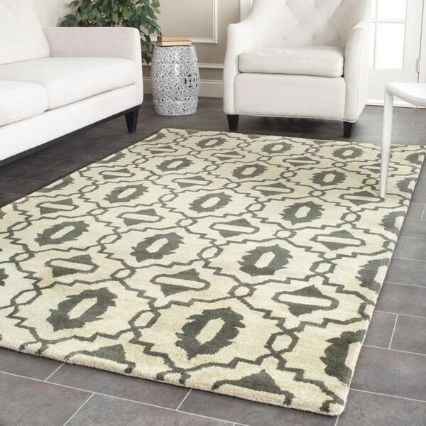 Safavieh Handmade Chatham Beige/ Grey Wool Rug - 8' x 10'