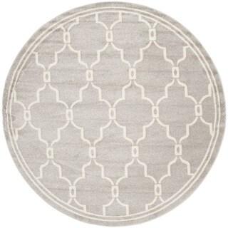 Safavieh Indoor/ Outdoor Amherst Light Grey/ Ivory Rug (5' Round)
