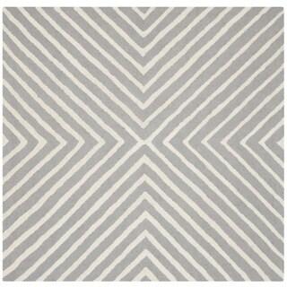 Safavieh Handmade Cambridge Silver/ Ivory Wool Rug (10' Square)