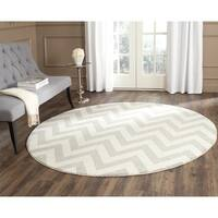Safavieh Indoor/ Outdoor Amherst Light Grey/ Beige Rug - 5' Round