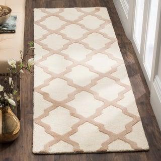 Safavieh Handmade Cambridge Ivory/ Beige Wool Rug (2'6 x 20')