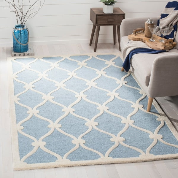 Safavieh Handmade Cambridge Blue/ Ivory Wool Rug - 9' x 12'