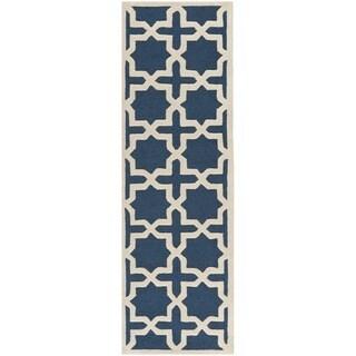 Safavieh Handmade Cambridge Navy Blue/ Ivory Wool Rug (2'6 x 18')