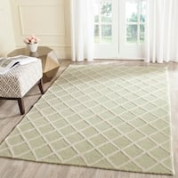 Safavieh Handmade Cambridge Light Green/ Ivory Wool Rug - 9' x 12'