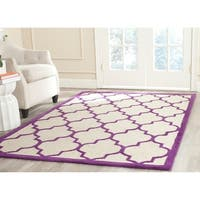 Safavieh Handmade Cambridge Ivory/ Purple Wool Rug - 6' x 9'