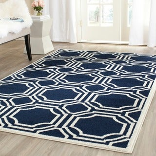 Safavieh Indoor/ Outdoor Amherst Navy/ Ivory Rug (5' Square)