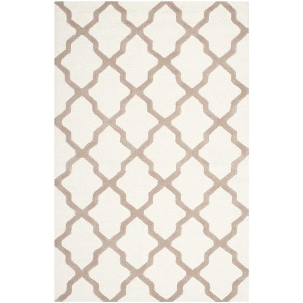 Safavieh Handmade Cambridge Ivory/ Beige Wool Rug - 7'6 x 9'6