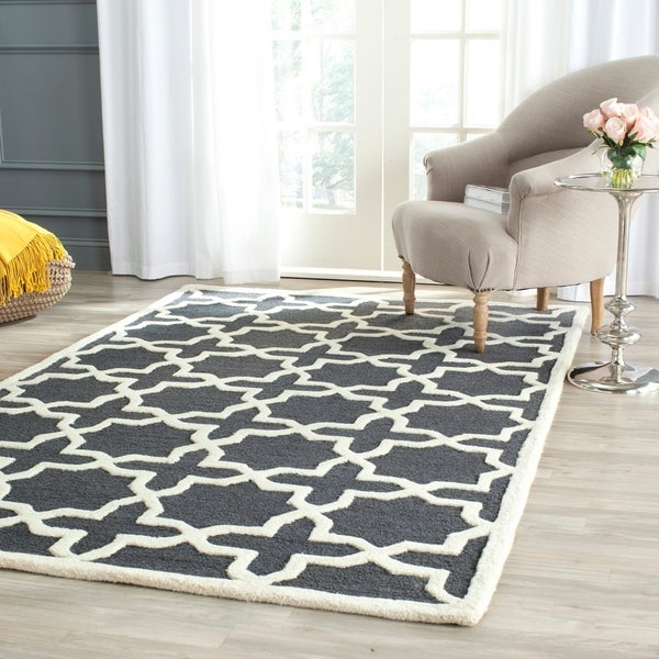 Safavieh Handmade Cambridge Dark Grey/ Ivory Wool Rug - 9' x 12'