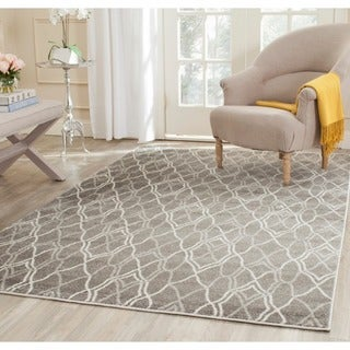 Safavieh Indoor/ Outdoor Amherst Grey/ Light Grey Rug (5' Square)