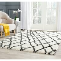 Safavieh Belize Shag Ivory/ Charcoal Moroccan Area Rug - 4' x 6'